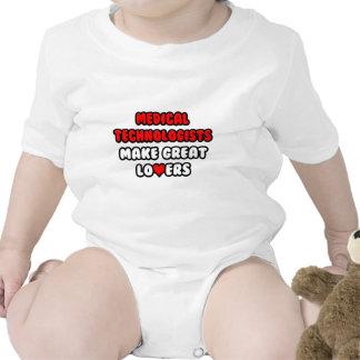 Los tecnólogos médicos hacen a grandes amantes traje de bebé
