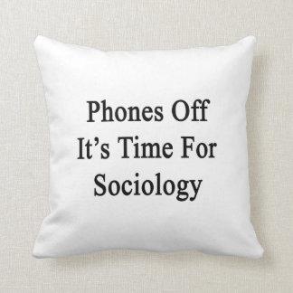 Los teléfonos de él son hora para la sociología almohadas