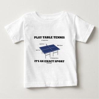 Los tenis de mesa del juego es un deporte exacto poleras