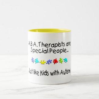 Los terapeutas del ABA son gente especial… Taza De Dos Tonos