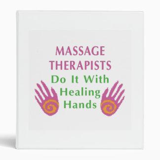 Los terapeutas del masaje lo hacen con las manos c