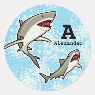 Los tiburones de la natación, añaden el nombre del pegatinas redondas
