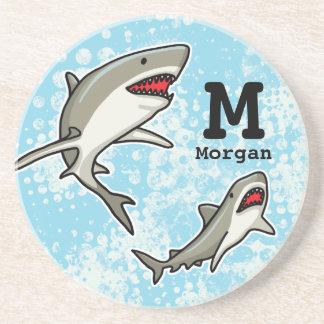 Los tiburones de la natación, añaden el nombre del posavasos para bebidas