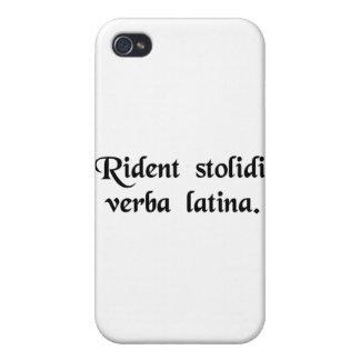 Los tontos se ríen de la lengua latina iPhone 4/4S fundas