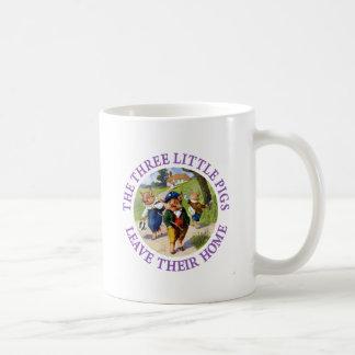 Los tres pequeños cerdos salen de su hogar tazas de café