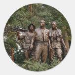 Los tres soldados pegatina redonda