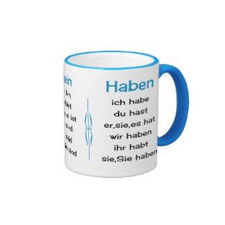 Los verbos alemanes enseñan y aprenden taza de dos colores