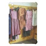 Los vestidos recolectados de la niña