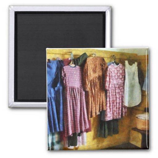 Los vestidos recolectados de la niña imán para frigorífico