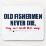 Los viejos pescadores nunca mueren, ellos apenas h tapete de ratones