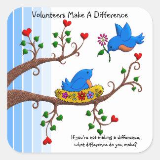 Los voluntarios diferencian pegatina cuadrada