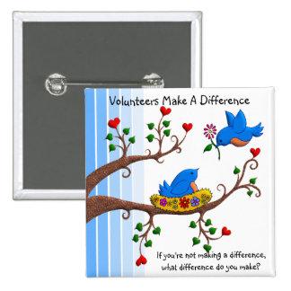 Los voluntarios diferencian pin cuadrado
