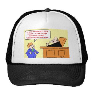 los votantes del juez de la colocación de trampas  gorras