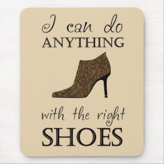 Los zapatos de la derecha tapetes de raton