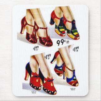 Los zapatos del vintage del kitsch de las mujeres mouse pads