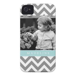 Los zigzags del gris y de la menta personalizaron  Case-Mate iPhone 4 carcasas