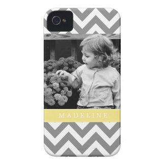 Los zigzags grises y amarillos personalizaron la Case-Mate iPhone 4 protectores