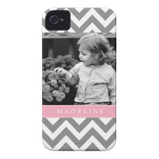 Los zigzags grises y rosados personalizaron la iPhone 4 carcasa