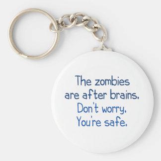 Los zombis están después de cerebros llavero personalizado