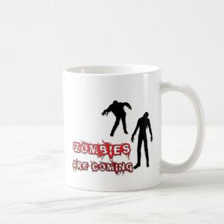 Los zombis están viniendo taza de café
