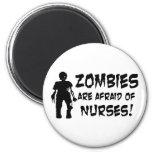 Los zombis tienen miedo de enfermeras imanes