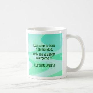 Los zurdos unen la taza