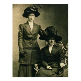 Lottie y Rosie ZARFOS en gorras de lujo Postal