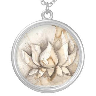lotus2232011b collar plateado