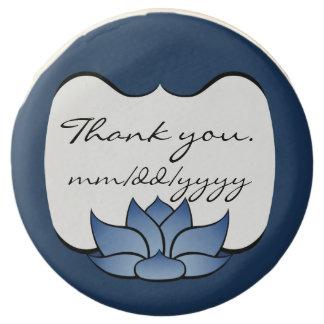 Lotus exquisito en Oreos sumergido azul