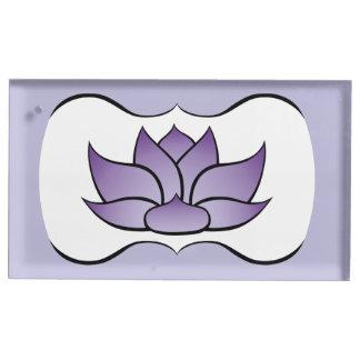 Lotus exquisito en portatarjetas púrpura de la soporte para tarjeta de mesa