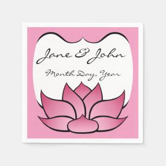 Lotus exquisito en servilletas rosadas servilleta desechable