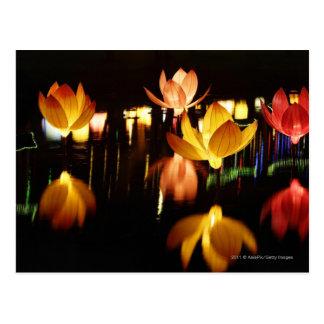 Lotus formó las linternas para el mediados de fest tarjeta postal