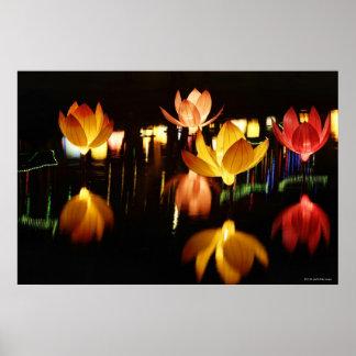 Lotus formó las linternas para el mediados de póster