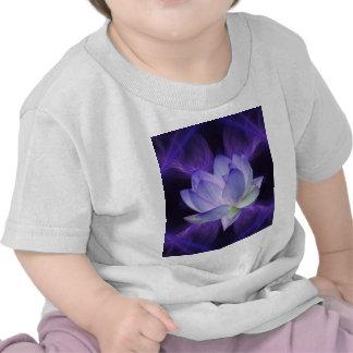 Lotus púrpura y geometría sagrada camisetas