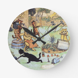 Louis Wan - Cat Gardeners Round Clock