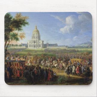 Louis XIV his Entourage Visiting Les Invalides Mouse Pad
