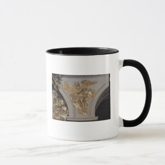 Louis XIV style angel, from the arch to the Mug