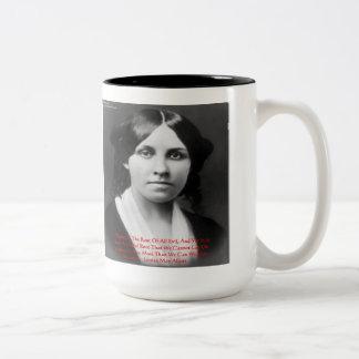 Louisa puede los regalos malvados de la cita de la tazas de café