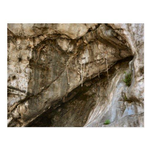 Lourdes, regalos en la gruta, postales