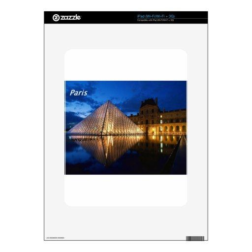 Louvre-en--noche [kan.k] .JPG iPad Skin