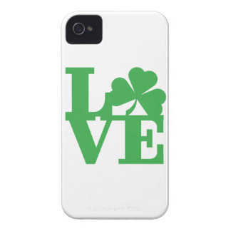 LOVE and Shamrocks iPhone 4 Cover