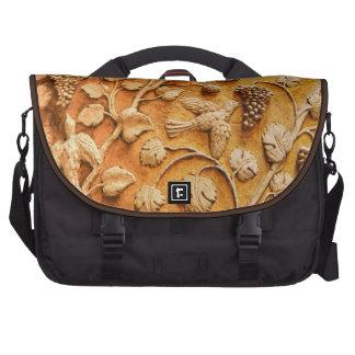 Love Birds and Grape Vines Vintage Decorative Art Laptop Bags