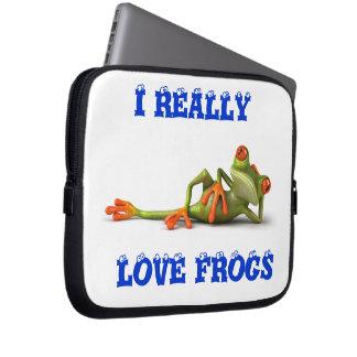 LOVE FROGS LAPTOP SLEEVE
