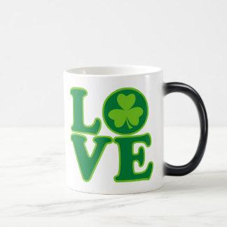Love Ireland 11 Oz Magic Heat Color-Changing Coffee Mug