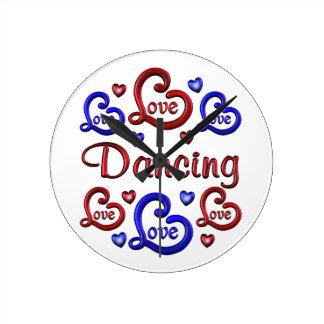 LOVE LOVE Dancing Round Clock