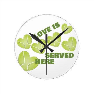 Love Served Round Clock