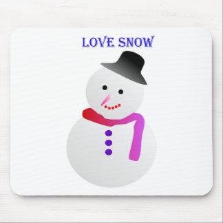 Love Snowfall Image Mouse Pad