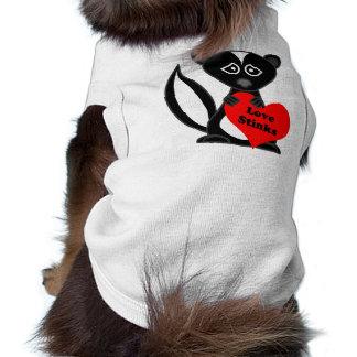 Love Stinks Cute Cartoon Skunk Holding Heart T-Shirt