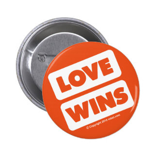 LOVE WINS button 02 white