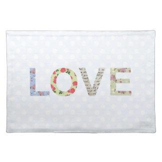 Love word art polka dot place mat